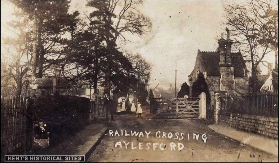 Aylesford Crossing Old Photo