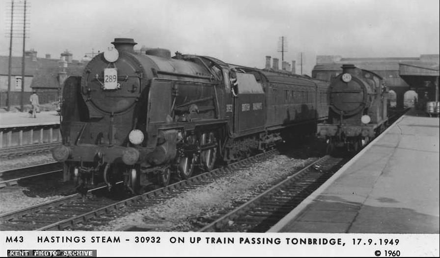 Tonbridge Station Old Photo