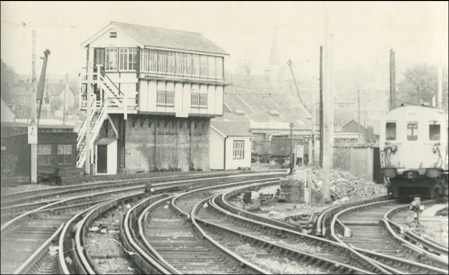 Maidstone West Station Signal Box